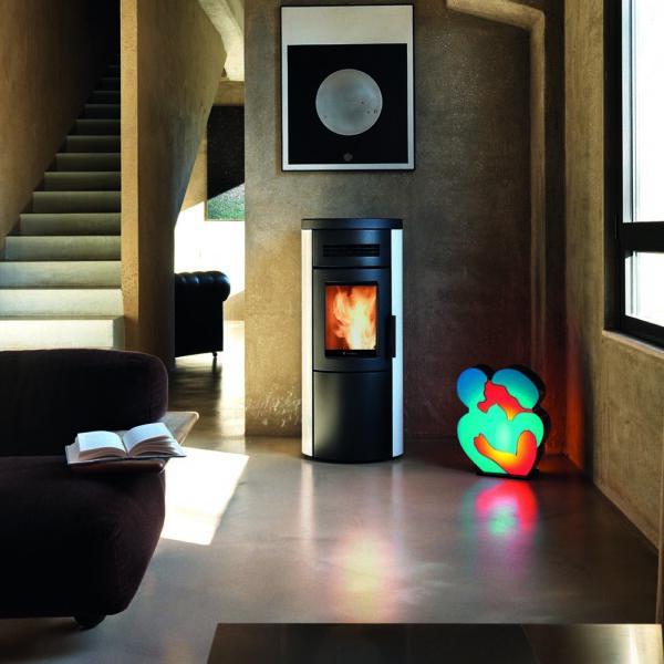 Dual-7 ventilated wood pellet stove